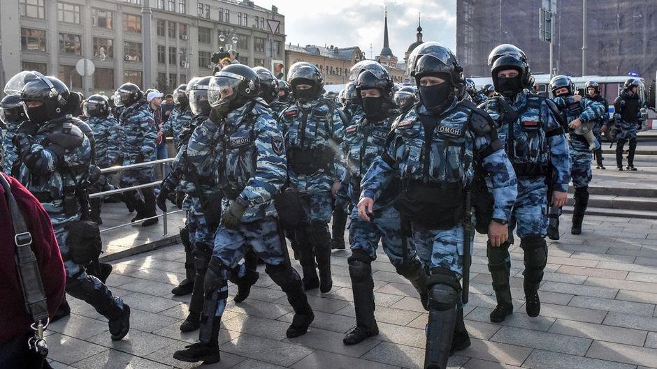 Die Polizei ging oftmals gewaltsam gegen friedliche Demonstranten vor, meldeten Beobachter.
