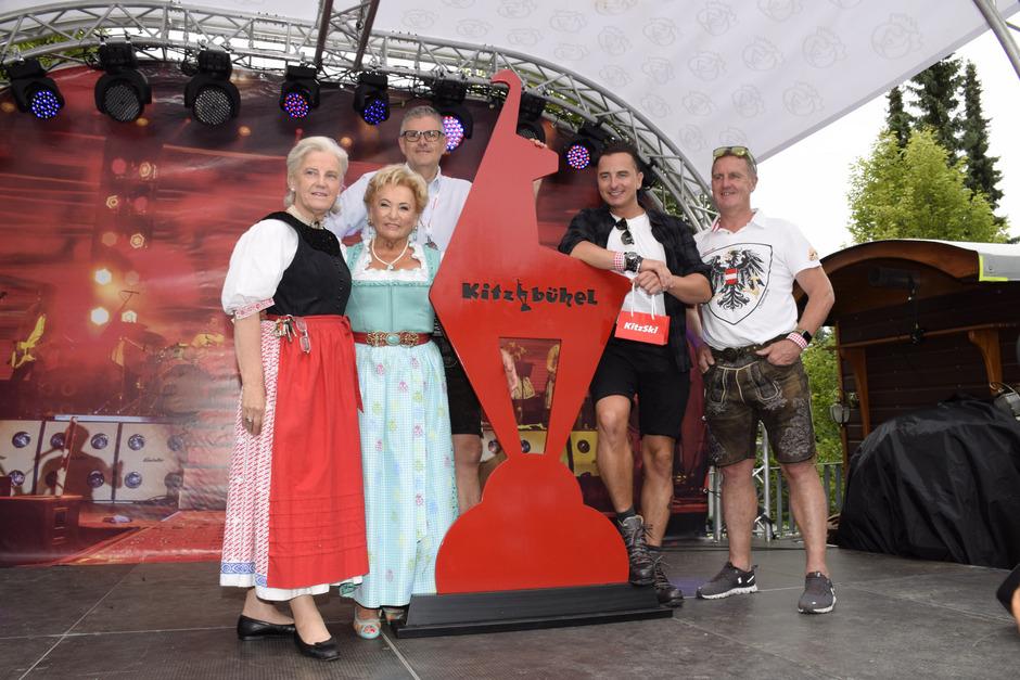 Alte Verbundenheit: Signe Reisch, Rosi Schipflinger, Klaus Winkler, Andreas Gabalier und Thomas Rass (v.l.).