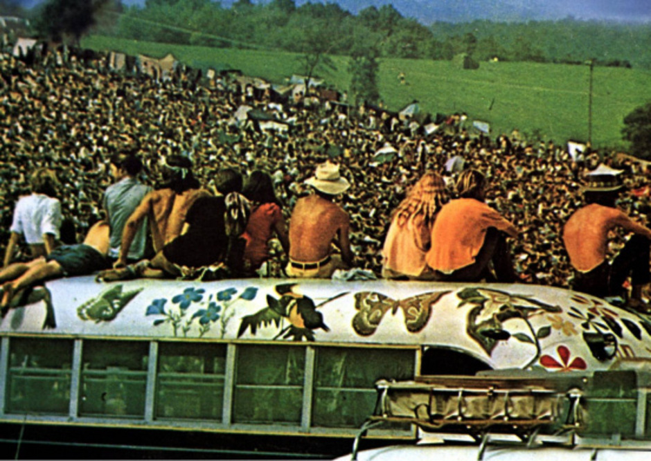 """Gut eine halbe Million Menschen zog es vom 15. bis 17. August 1969 nach Bethel im US-Bundesstaat New York. Dorthin wurde das """"Woodstock""""-Festival kurzfristig verlegt."""