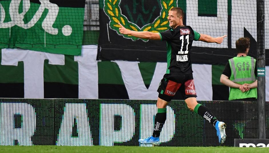 Starb in der ersten Halbzeit den Chancentod – Markus Wallner fiel nach seinem Treffer zum 2:0 ein Riesenstein vom Herzen.
