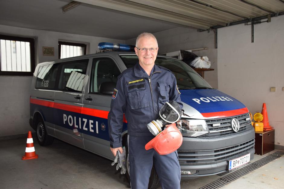 Seit mehr als 20 Jahren ist Roland Egger Bezirksbrandermittler in Kufstein. Seit seinem 15. Lebensjahr unterstützt er außerdem die Langkampfener Feuerwehr als MItglied.