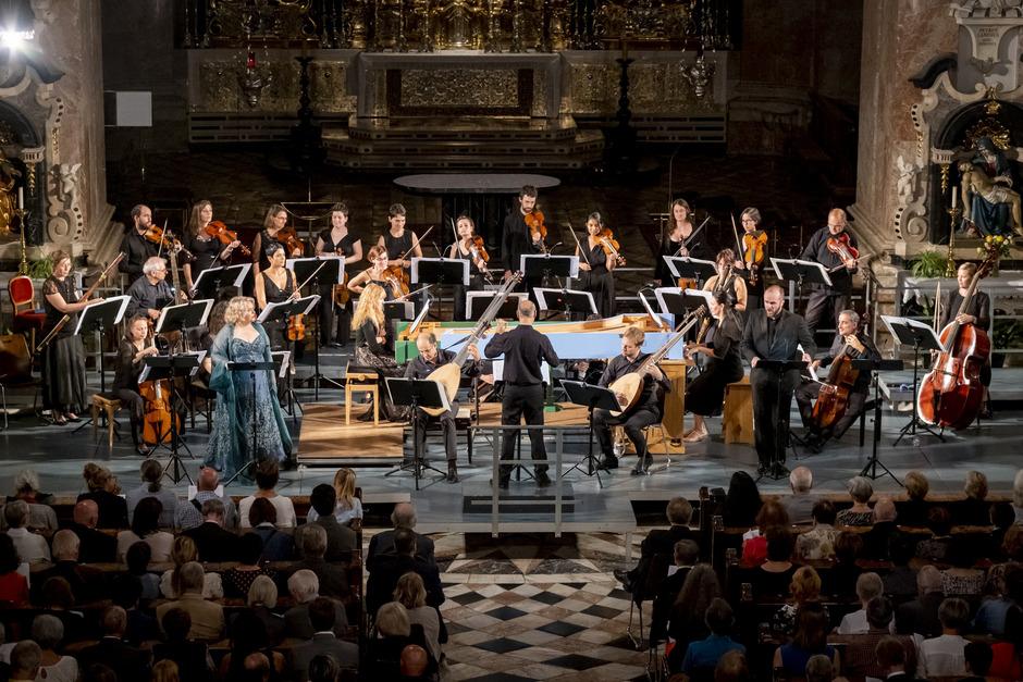 "Händels ""Triumph"" im Dom. Links: Karina Gauvin, am Pult Alessandro De Marchi."
