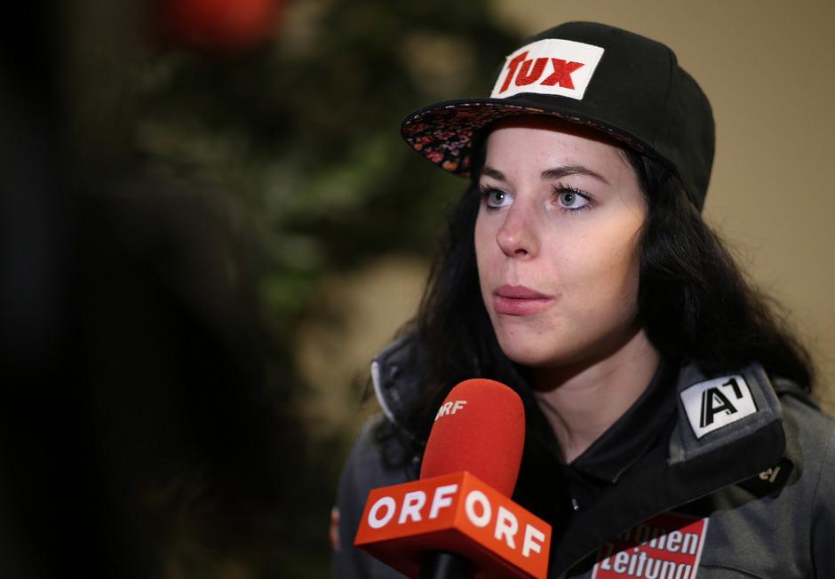 Wieder ein schwerer Rückschlag für Stephanie Brunner: Die Zillertalerin riss sich erneut das Kreuzband.