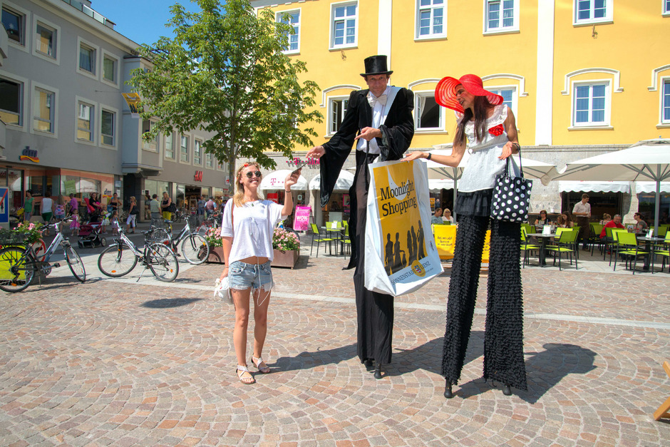 Das Moonlight Shopping in der Lienzer Innenstadt hat sich zum Anziehungspunkt für Einheimische und Gäste entwickelt.