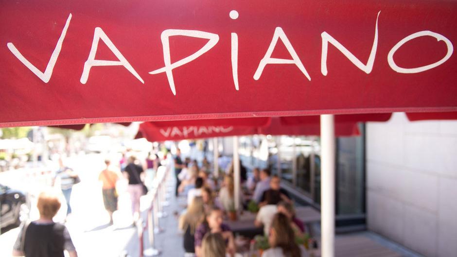 Mit an diesem Montag zeitweise erreichten 5,36 Euro sackte die Vapiano-Aktie auf ein neuerliches Rekordtief.