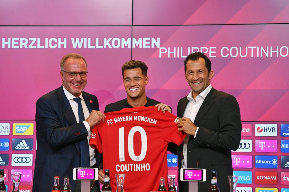 Stolz auf ihren Transfer-Coup Coutinho (M.): Bayern-Boss Rummenigge (l.) und Sportdirektor Salihamidzic.