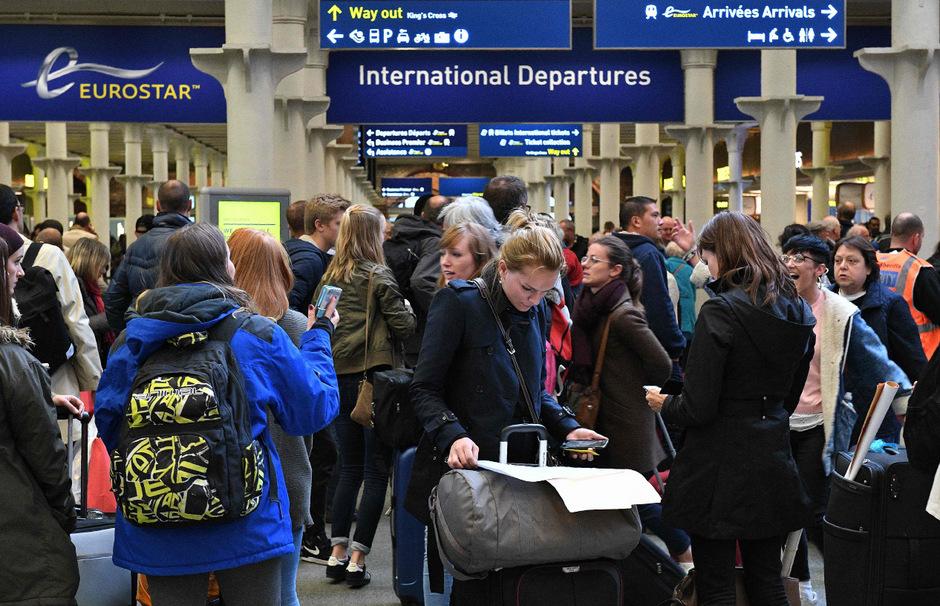 Wer nicht britischer Staatsbürger ist, den erwarten ab November genauere Kontrollen bei der Einreise.