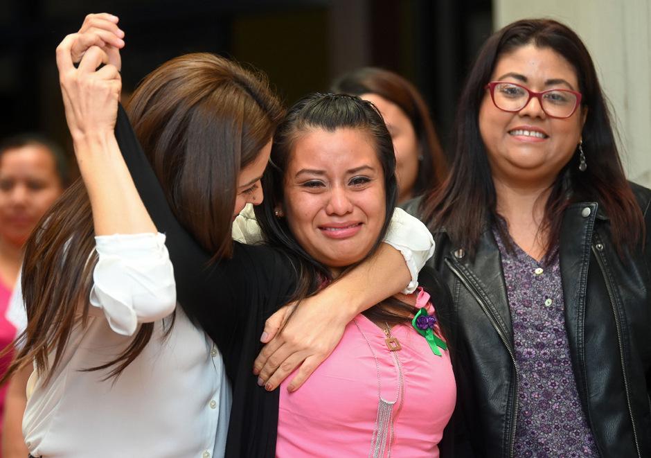 Die 21-Jährige wurde nach einer Fehlgeburt angeklagt. Das erste Gericht hatte die Fehlgeburt als Abtreibung gewertet.
