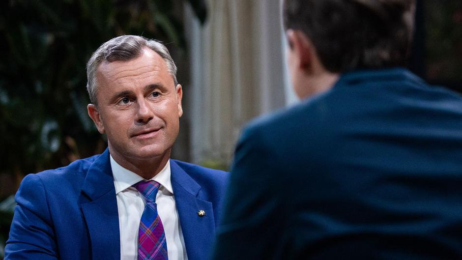 """Der designierte FPÖ-Chef Norbert Hofer im """"Sommergespräch"""" mit Moderator Tobias Pötzelsberger."""