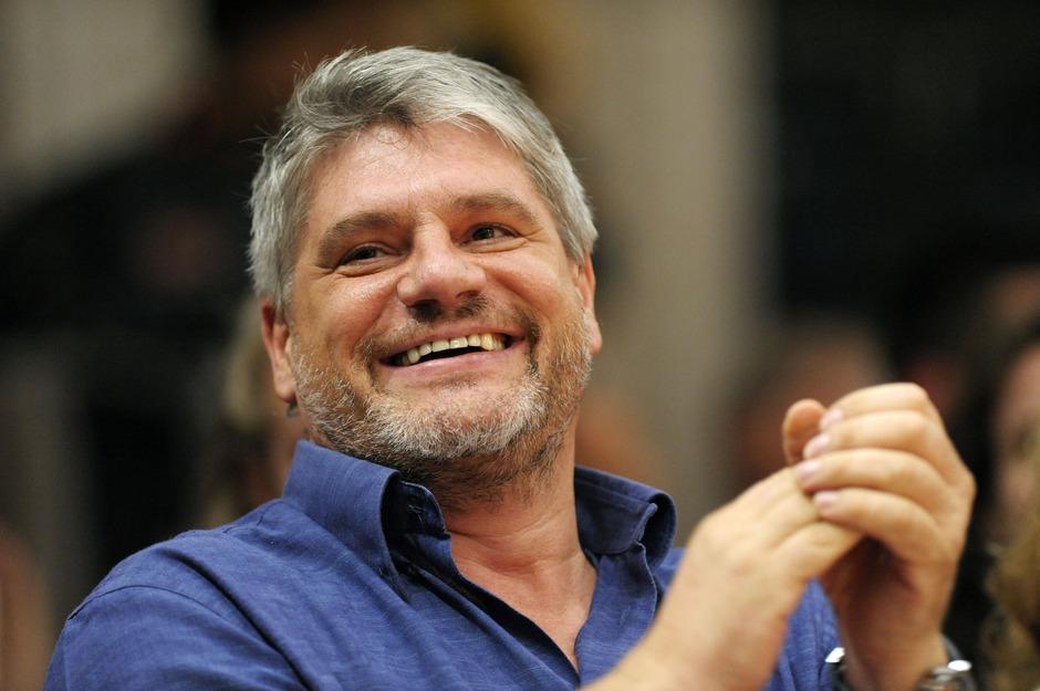 Raoul Schrott, geboren 1964 in Landeck, zählt zu den international renommiertesten Tiroler Autoren.