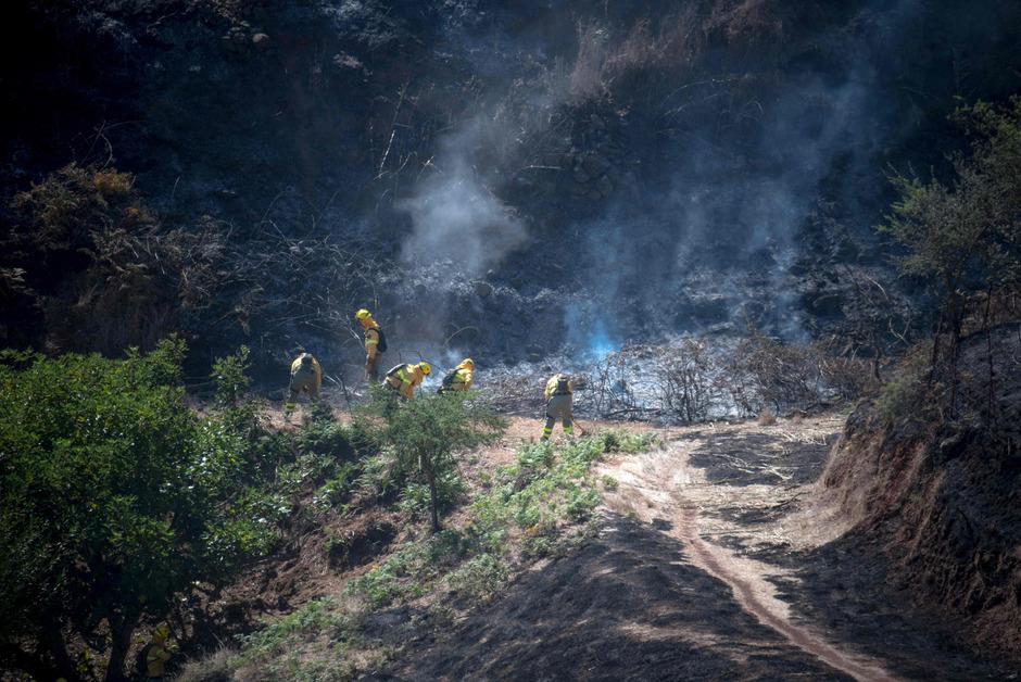 Löscharbeiten der Feuerwehr auf Gran Canaria.