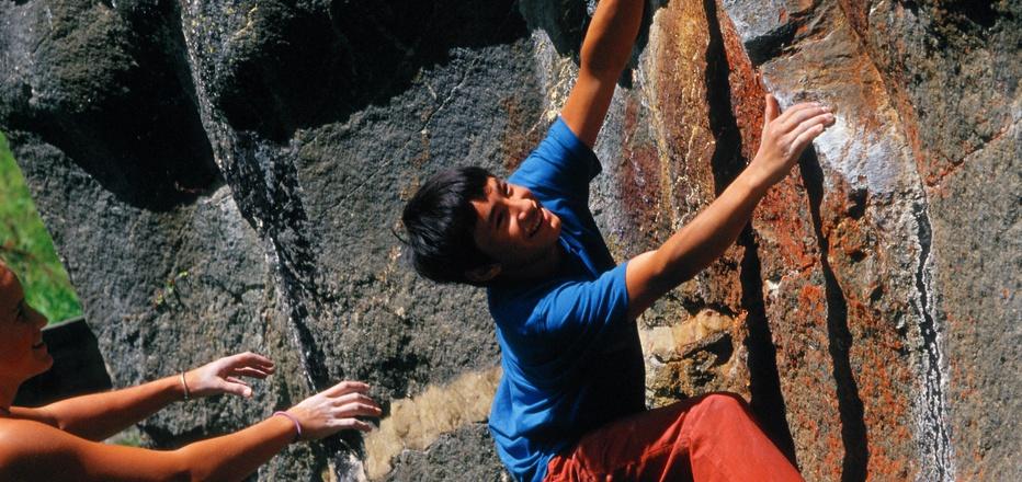 Kletterwunderkind David Lama (im Jahr 2003) zeigte schon in jungen Jahren, dass es für ihn nur einen Weg gibt – steil bergauf.