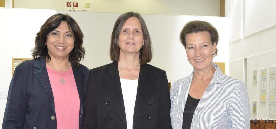 Selma Yildirim, Eva Beihammer und Gabriele Heinisch-Hosek (v.l.) zeigen auf, dass im Bezirk Schwaz die Frauen viel zu wenig verdienen.