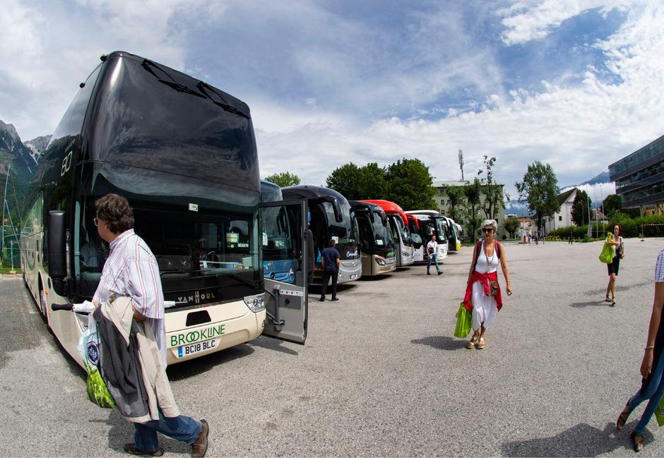 Für den bestehenden Busparkplatz braucht es im Rahmen des MCI-Neubaus eine Lösung.