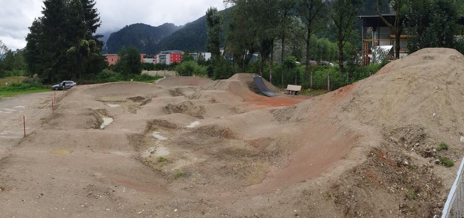Der Park nimmt Formen an.