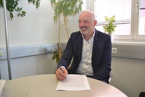 Dem Druck der Gemeinde gibt Mike Edelmann, GF der Rohrdorfer-Gruppe, nun nach.