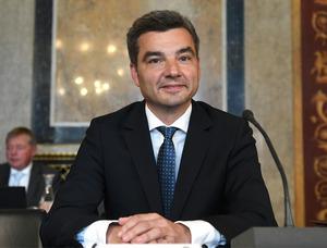 Kickl stellt auch die Überparteilichkeit von Innenminister Wolfgang Peschorn infrage.