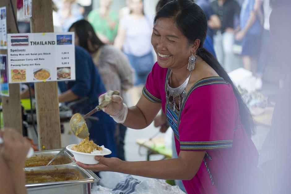 Das Fest in Wörgl ermöglicht ein Kennenlernen der unterschiedlichen Nationen, auch in kulinarischer Hinsicht.
