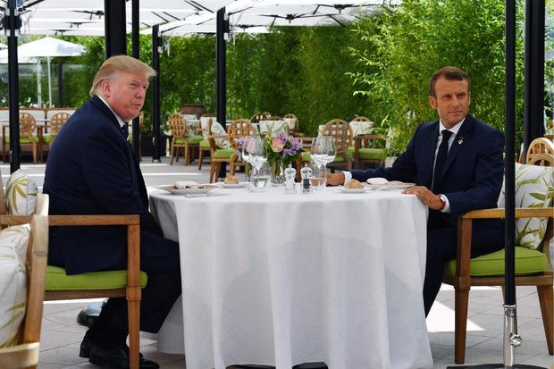 Trump und Macron bei ihrem gemeinsamen Mittagessen am Samstag.