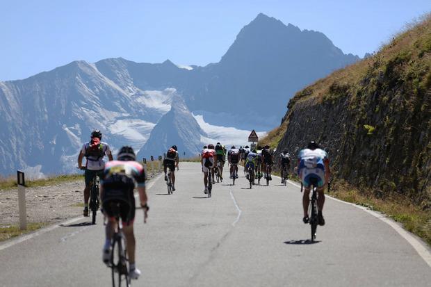 Dem Gletscher entgegenstrampeln heißt es heuer wieder für 4000 Starter beim Ötztaler Radmarathon.