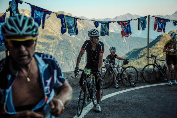 Für die Teilnehmer geht es beim Ötztaler Radmarathon über die Alpenpässe Kühtai, Brenner, Jaufen und Timmelsjoch.