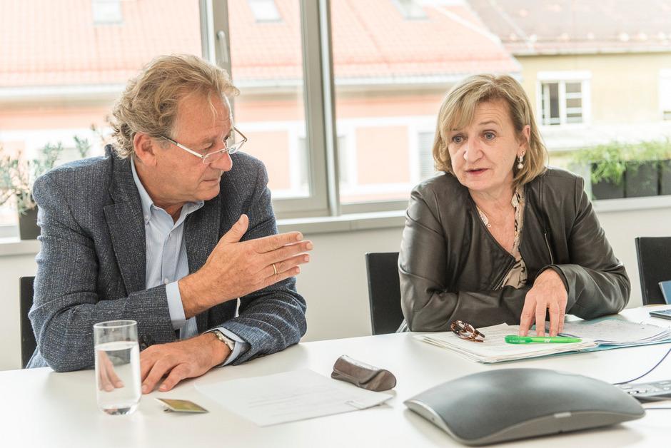Erwin Zangerl und Beate Palfrader warnen vor einer Zerschlagung der Sozialpartnerschaft.