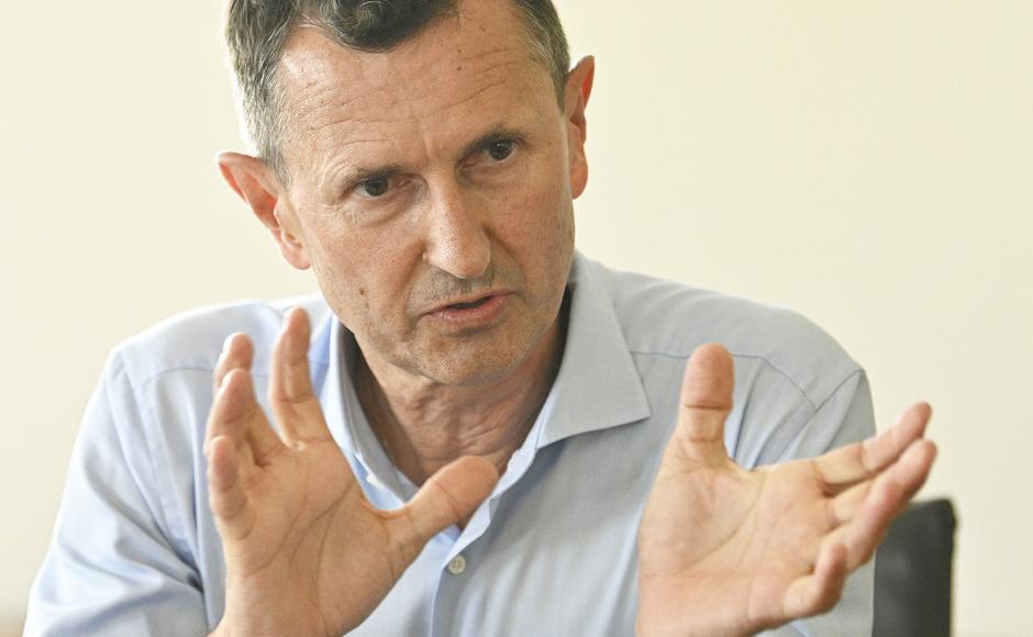 budget-verteidigungsminister-sieht-sicherheit-bereits-gef-hrdet