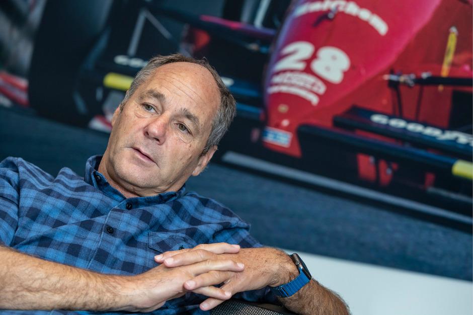 Ferrari war immer die große Liebe von Tirols zehnfachem Formel-1-Sieger Gerhard Berger. Das ist auch in seinem Wörgler Büro nicht zu übersehen.