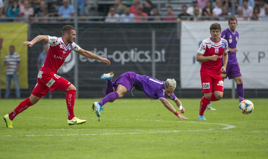 Ein Insolvenzantrag könnte 2.-Liga-Leader Austria Klagenfurt abseits des Rasens ins Stolpern bringen.