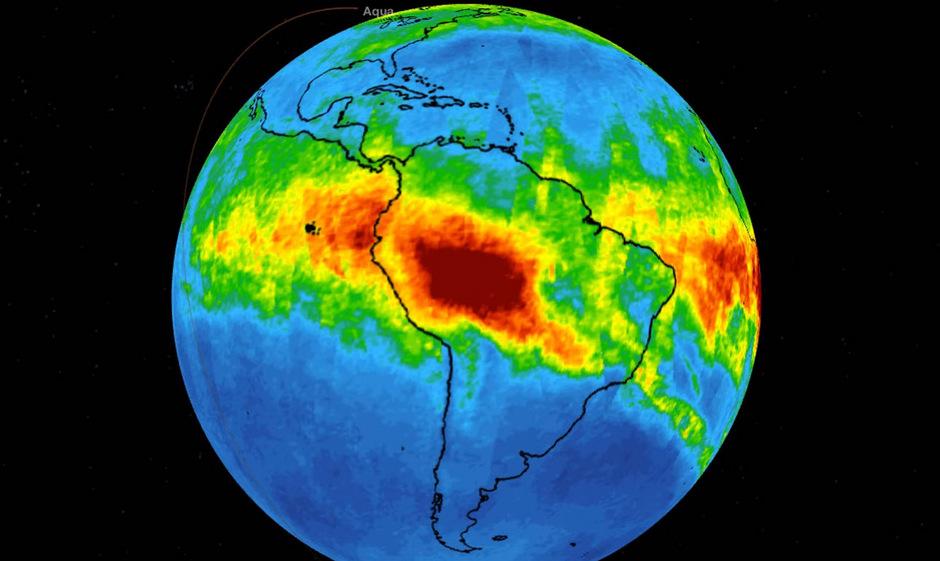 """Die roten Stellen weisen die höchste Kohlenmonixid-Konzentration auf: Die Simulation basiert auf Daten des NASA-Forschungssatelliten """"Aqua."""