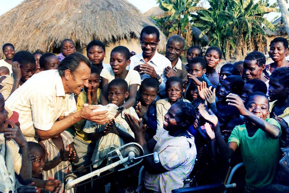 Der Wahl-Landecker Missionar Johann Kiesling arbeitet am Aufbau von Bildungseinrichtungen in der Demokratischen Republik Kongo.