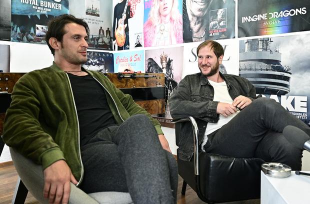 Gitarrist Manuel Christoph Poppe und Sänger Marco Michael Wanda standen der APA Rede und Antwort.