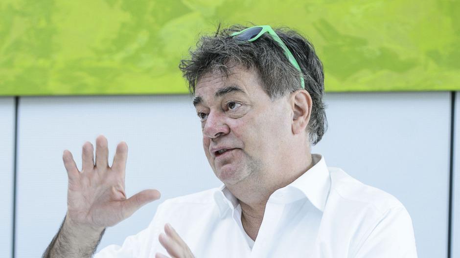 Grünen-Bundesspitzenkandidat Werner Kogler skizzierte beim gestrigen Besuch in der TT seine Vorstellungen von der Energiewende.