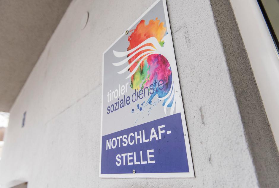 Die Debatte über eine ganzjährige Notschlafstelle in Innsbruck flammt wieder auf.