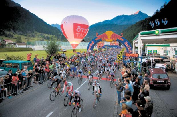 4000 Teilnehmer aus vielen Ländern gehen am Sonntag beim Ötztaler Radmarathon in Sölden an den Start.