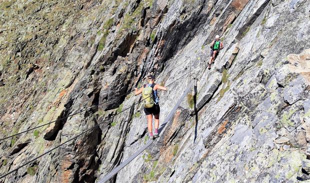Die Passage des Klettersteigs kann auch umgangen werden.
