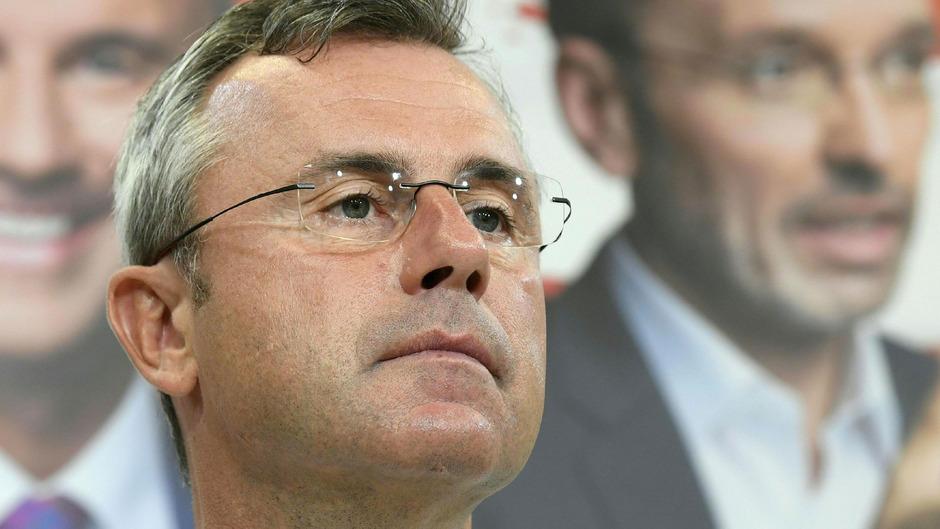 """Eine """"FPÖ 3.0"""" schwebt Hofer vor. Seine Partei sei schwach in den Städten, das wolle er ändern."""