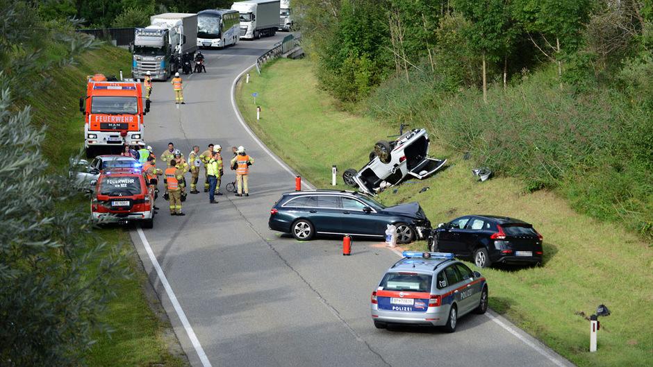 An allen drei Autos entstand Totalschaden.