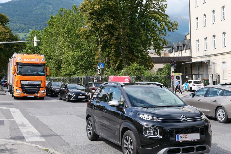 Der Straßenverkehr in Lienz und Osttirol lässt schon lange Forderungen nach einem Verkehrskonzept laut werden. Lösungen fehlen.