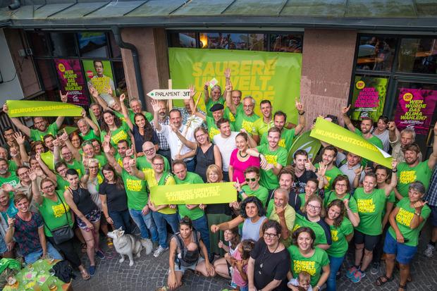 Die Tiroler Grünen haben in den nächsten Wochen nur ein Ziel: Ein (Öffi)-Ticket für die Fahrt ins Parlament nach Wien.