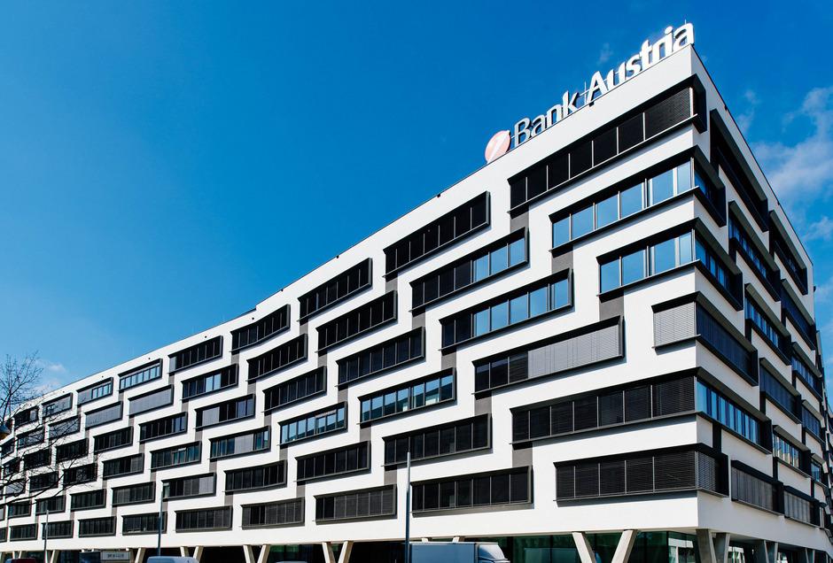 Die UniCredit stellte die Zulässigkeit der wechselseitigen Kapitalerhöhungen von BTV, BKS und Oberbank in Frage.
