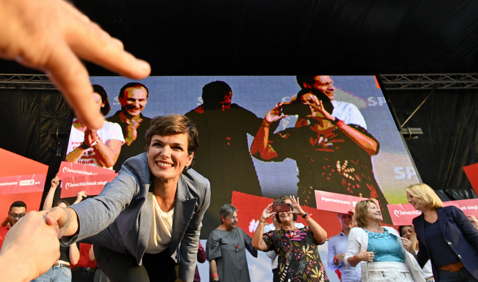 Pamela Rendi-Wagner beim Wahlkampfauftakt der SPÖ am Viktor-Adler-Platz in Wien.