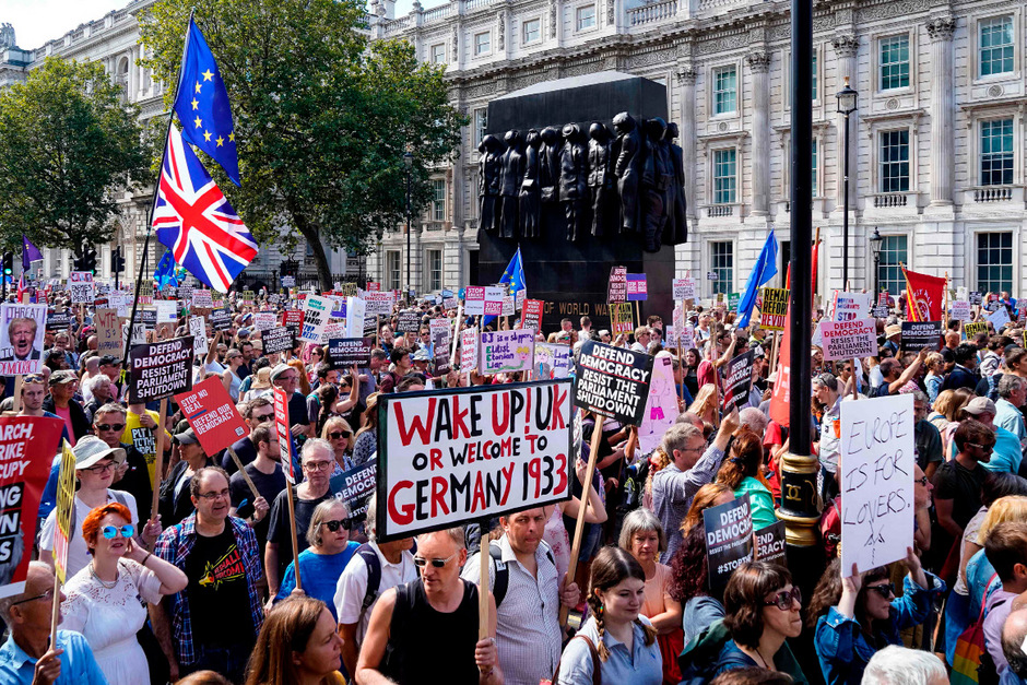 """""""Stop the Coup"""" - stoppt den Putsch - war das Motto der Demonstration."""