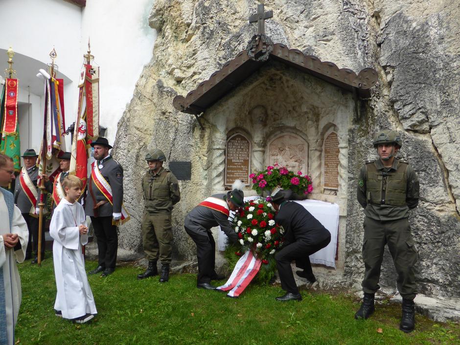 Mit über 40 Abordnungen wurde die 101. Soldaten- und Gelöbniswallfahrt in Mariastein heuer mit rund 400 Kameraden zelebriert.