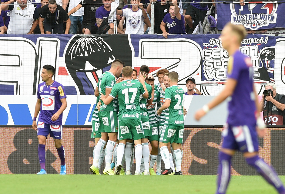 Grün-weißer Jubel in Favoriten: Rapid setzte sich im Derby durch.