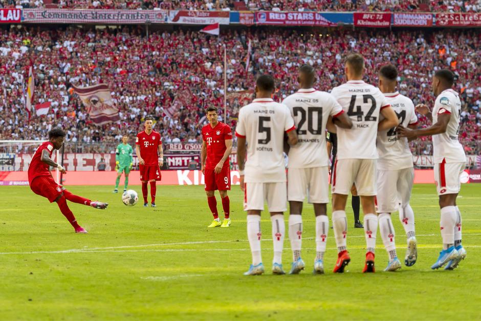 David Alaba trug sich mit einem Traum-Freistoßtor gegen Mainz in die Schützenliste ein.