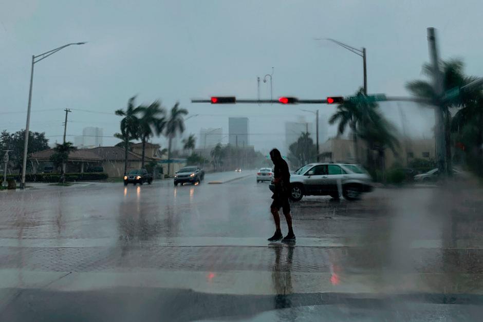 """Nun bangt vor Florida, noch von den Ausläufern von """"Dorian"""" erwischt zu werden."""