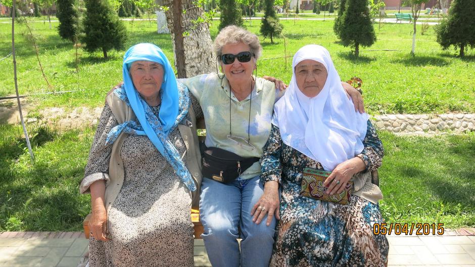 Wohin Hannelore Knoflach reist, ob Namibia, Korea, Kasachstan oder Usbekistan, die Menschen empfangen sie herzlich.