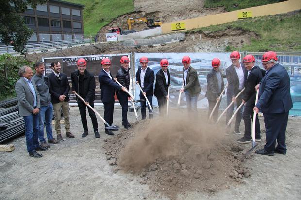 Gestern gab es den offiziellen Baustart mit dem gemeinsamen Spatenstich der Verantwortlichen.