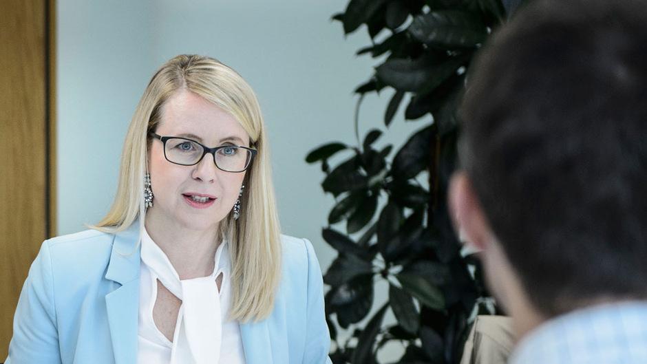 Margarete Schramböck (ÖVP) im TT-Chat.
